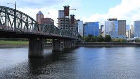 Timelapse Portland, Oregon linia horyzontu i most nad Willamette rzeką 4K, zbiory wideo