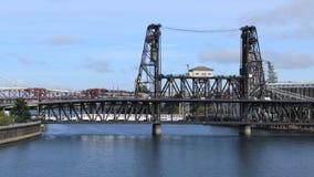Timelapse Portland, Oregon mosty nad Willamette rzeką 4K zdjęcie wideo