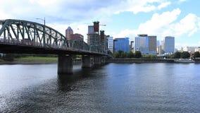 Timelapse Portland, Oregon Skyline und überbrücken den Willamette-Fluss 4K stock video