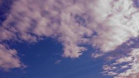Timelapse rosado del cielo nublado almacen de video