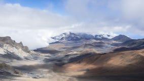 Timelapse - Ruszać się chmurnieje nad Haleakala kraterem zbiory