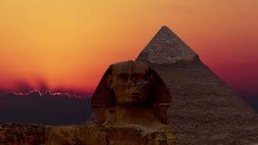 Timelapse Salida del sol sobre la pirámide de Cheops y de la esfinge Giza Egypt V 4 almacen de video