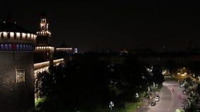 Timelapse Sforzesco Castle - 2014 - ίχνη αυτοκινήτων στη νύχτα απόθεμα βίντεο