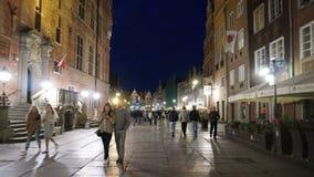 Timelapse sikt av den långa gå gatan i Gdansk arkivfilmer