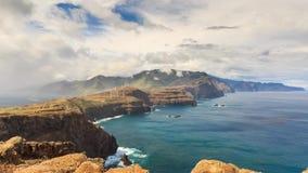 Timelapse siniestro Madeira de las nubes metrajes