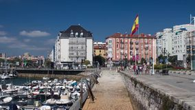 Timelapse - Spaanse vlag in Santander stock video