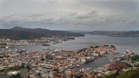 Timelapse - Stadtbild von Bergen stock video