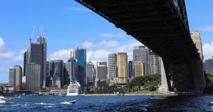 Timelapse Sydney, Australië de stad in en Havenbrug 4K stock videobeelden