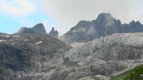 Timelapse szybkie chmury nad góra szczyt, cloudscape zbiory wideo