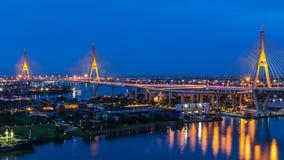 Timelapse van Bhumibol-Brug is één van de mooiste bruggen in Thailand en gebiedsmening voor Bangkok stock video