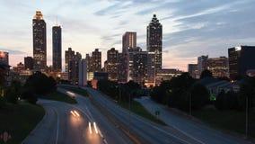 Timelapse van de binnenstad van Atlanta van de straatbrug van Jackson stock videobeelden