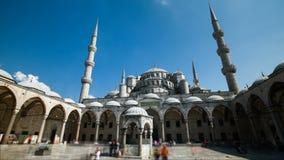 Timelapse van de Blauwe Moskee of Sultanahmet in openlucht in de stad van Istanboel in Turkije stock video