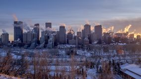 Timelapse van de horizon van Calgary ` s tijdens de winter stock video