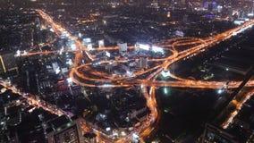 Timelapse van de mening van de de stadsnacht van Bangkok met hoofdverkeers hoge manier, Thailand stock videobeelden