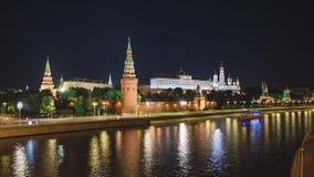 Timelapse van Moskou het Kremlin, de Dijk van het Kremlin en de Rivier van Moskou stock video