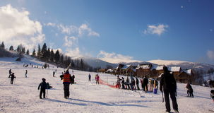 Timelapse van skiheuvel stock video