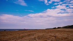 Timelapse van strand in Cuxhaven tijdens bewolkte de zomerdag stock footage