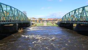 Timelapse van twee bruggen in Westfield, Massachusetts 4K stock footage