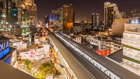Timelapse van verkeer bij nacht, Bangkok Thailand stock footage