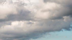 Timelapse van vliegende wolken stock videobeelden