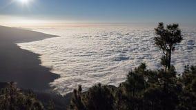 Timelapse van wolken over Puerto de la Cruz, Tenerife stock video