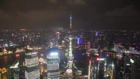 Timelapse video av Shanghai CBD p? natten stock video