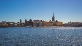 Timelapse video av Stockholm stadshorisont med havet och färja i Sverige, tidschackningsperiod 4K lager videofilmer