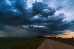 Timelapse-Video von kommenden Sturmwolken stock video footage