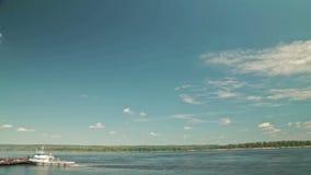 Timelapse - vista de navio de cruzeiros movente vídeos de arquivo