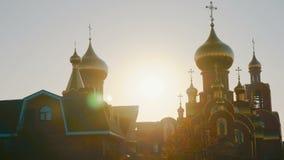 Timelapse Vogelperspektive der Kirche bei Sonnenaufgang 4k UHD stock video footage