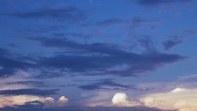 Timelapse von Wolken und von stürmischer Nacht stock video