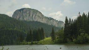 Timelapse w górach Czerwony jezioro zdjęcie wideo