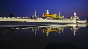 Timelapse Wat Phra Kaew Temple de la señal de Emerald Buddha de Bangkok Tailandia almacen de video