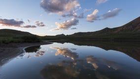Timelapse wieczór krajobraz w Skalistych górach, wałkoni się pustkowie zbiory