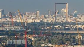Timelapse y el capítulo, una nueva arquitectura icónica del horizonte de Dubai en la ciudad almacen de metraje de vídeo