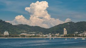 Timelapsemening van Patong-strand, Phuket-eiland, Thailand stock video