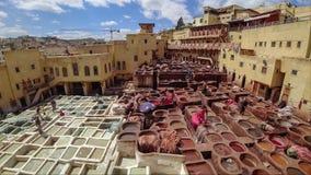 Timelapsevideo van traditionele leerlooierij in Fes, Marokko stock footage