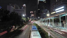 Timelapsevideo van verkeer en voertuigbeweging stock video