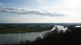 Timelapsewolken over het gebied en de rivier van Donau in volledige HD stock footage