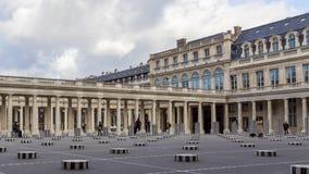 Timeplapse de colunas de Buren no Palais Royal - Paris, Fran?a video estoque