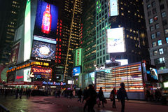 Times Square τη νύχτα Στοκ Εικόνα