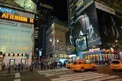 Times Square alla notte, New York Immagini Stock Libere da Diritti