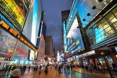 Times Square bij nacht in 2011, de Stad van New York Stock Foto