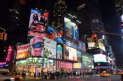 Times Square bij nacht, de Stad van New York Royalty-vrije Stock Afbeeldingen