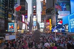 Times Square bij nacht (de Stad van New York, de V.S.) Royalty-vrije Stock Afbeelding