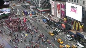 Times Square in de dag stock videobeelden