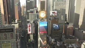 Times Square de Manhattan da elevação acima de 4K filme