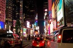 Times Square in de Stad van New York Beroemd, verkeer stock fotografie