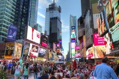 Times Square in der Dämmerung Stockfotos