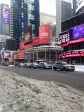 Times Square en nieve en invierno fotografía de archivo